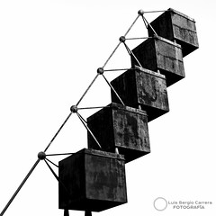 -0861 Bou (2007) (Luis Sergio Carrera) Tags: bw blancoynegro bn escultura calatrava museo mallorca palma bou monocromtico clavealta esbaluart