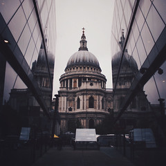 Wren/Nouvel (Olly Denton) Tags: uk reflection london apple lines architecture canon design vanishingpoint mac perspective stpauls stpaulscathedral baroque ios leading canon400d kissx vsco onenewchange vscocam vscolondon canondigitalx