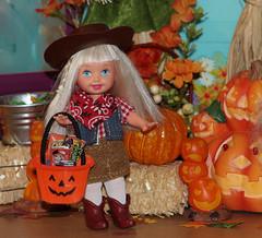 Halloween 2015 IMG_3827 (Creative.Gal.62) Tags: fall halloween ken barbie tommy kelly diorama