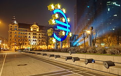 Euro-Skulptur (stephan.hickisch) Tags: street city blue light urban tower night germany evening frankfurt main financial metropole willibrandtplatz luminale euroskulptur