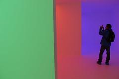 Sala de colores (Imthearsonist) Tags: chile santiago luces arte expo colores lightshow exposicion muros fotografa canoncamera lascondes corpartes canonreflext3i