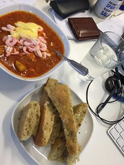 Lunch 21/6 (Atomeyes) Tags: mat focaccia vatten fisk aioli rkor soppa saffran