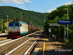 "E652.021 - Tigre di valico... (Michael Carli - ""mike97tigre"") Tags: san estate merci trains bologna firenze mrs stazione rapido prato tigre freight linea giovanni speciale appennino ferrovia treni valdarno 2016 chiasso vaiano direttissima cisterne e652 xmpr livrea smistamento e652021 mike97tigre"