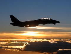 051204-N-5088T-001 (namareelnam) Tags: sunset clouds f14 navy aerial roosevelt unclassified tr tomcat airtoair f14tomcat vf213 blacklions cvn71 f14d cvw8