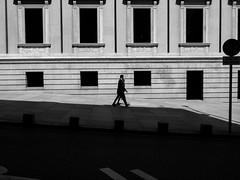 Zona de seguridad (srgpicker) Tags: madrid shadow blackandwhite bw white black blancoynegro blanco monochrome nikon couple pareja negro sombra shade s01
