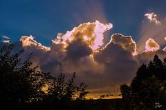 Glow (s.lang534) Tags: nature natur wolken cloud glhen glow sommer summer august yellow gelb dunkel himmel sky