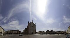 Piazza Montagnana (tullio dainese) Tags: allaperto outdoor montagnana veneto italy piazza square cielo sky