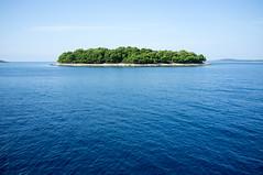 Island (Boriann) Tags: croatia split adriaticsea hrvatska dalmatia kroati dalmatiancoast maslinica dalmati rbuijsman wwwboriannbe boriann splitdalmati