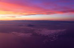 Painted sky (maxunterwegs) Tags: sunset sky espaa spain espanha sonnenuntergang dusk himmel aerial prdosol ciel cielo aerialphoto espagne ocaso spanien coucherdesoleil luftbild luftaufnahme aerialimage lh1133