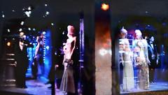 EEUU - 124 (Ismael I) Tags: christmas usa newyork navidad noche glamour manhattan fiestas chic vestido nuevayork escaparate eeuu vestuario fiestasnavideas