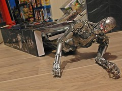 NECA  Terminator 2  1/4 Endoskeleton  Battle Damage Version  Jailbreak ! (My Toy Museum) Tags: big terminator t2 neca endoskeleton