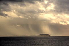 Skies - Lanzarote (Rasande Tyskar) Tags: sea sky rain clouds meer waves skies air kanaren himmel wolken lanzarote land canary canaryislands regen islascanarias kanarischeinseln
