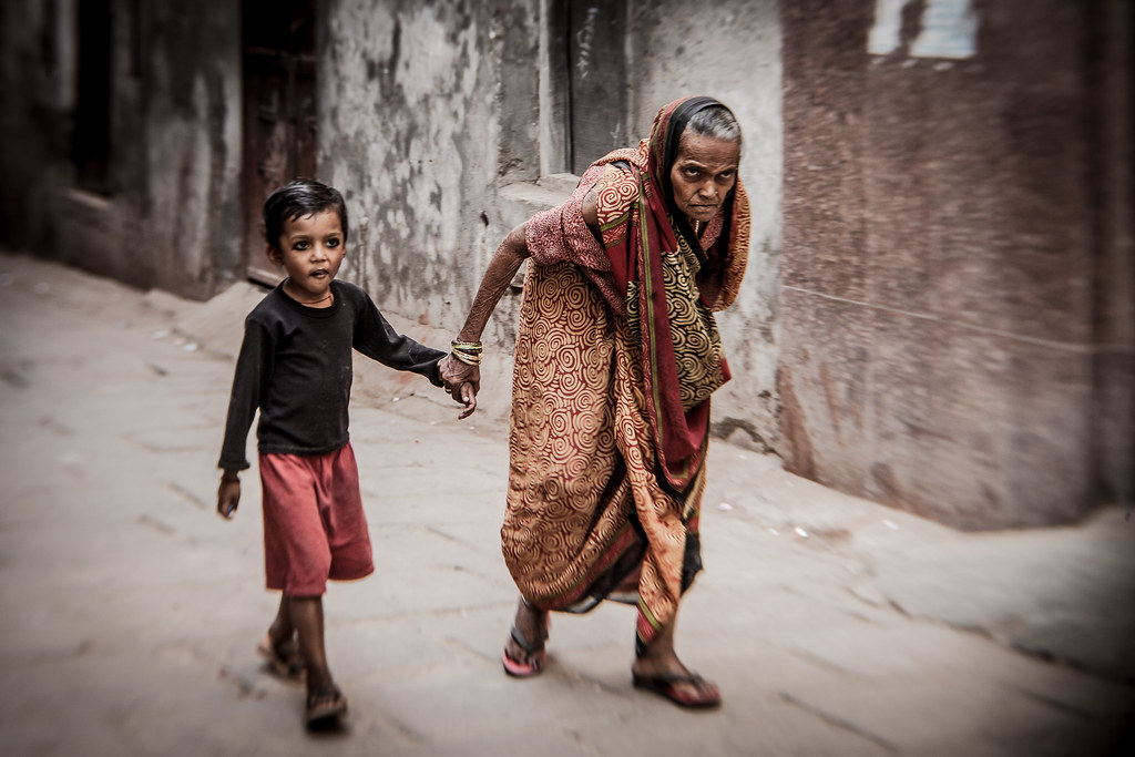 Donate Old Clothes In Varanasi