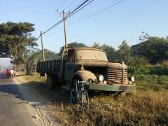 Myanmar, Yangon Region, Yangon City, Northern District, Shwepyithar Township, Kyaung Kone Village Tract (Die Welt, wie ich sie vorfand) Tags: bicycle truck cycling yangon burma myanmar trucks steamroller surly hino rangoon madi yangoncity northerndistrict shwepyithar yangonregion hinoth shwepyithartownship myanmaautomobileanddieselengineindustries shwepyithatownship kyaungkone
