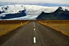 Viaggiare per dare un senso a molte cose... (Fabio Todeschini ) Tags: road trip ice iceland nikon strada fabio polar prospect jokulsarlon jökulsárlón ghiaccio prospettiva tode ghiacciaio islanda todeschini d3100 fabiotode