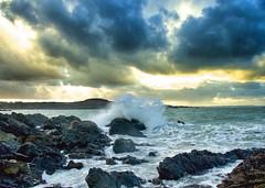 Première baston - First offensive (G.Billon) Tags: winter sea beach wave bretagne breizh longchamp bzh saintlunaire côtedémeraude gbillon