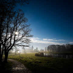 Fog and blue sky (Wouter de Bruijn) Tags: light mist castle fog contrast landscape shadows bright fujifilm oostkapelle westhove xt1 fujinonxf14mmf28r mantelingen