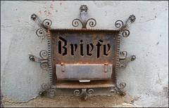 schöner alter Briefkasten (tor-falke) Tags: old letter letterbox briefkasten briefe torfalke flickrtorfalke alpha200230