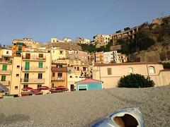 Scilla - Calabria (Italia) (Kristel Van Loock) Tags: italien italy beach strand europa europe italia scilla plage calabria spiaggia italie itali kalabrien skylla calabre calabri uscigghiju calabriaregion skyllaion