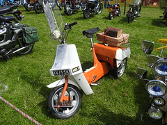 Abergavenny Steam, Vintage & Veteran Rally, Bailey Park, Abergavenny 30 May 2016 (Cold War Warrior) Tags: tricycle bsa abergavenny ariel3 birminghamsmallarmscompany