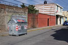 6 note y 14 ote JESUS (Gobierno de Cholula) Tags: de botes basura contenedores papeleras sanpedrocholulapuebla