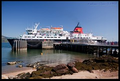 MV Caledonian Isles (zweiblumen) Tags: uk ferry scotland ship alba calmac brodick isleofarran polariser caledonianmacbrayne northayrshire eileanarainn canoneos50d mvcaledonianisles zweiblumen photoshopcs4 breadhaig eileananchaledonia
