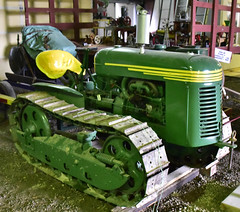 Oliver crawler HG (D70) Tags: park canada heritage museum bc oliver antiques association chilliwack crawler threshermens atchelitz