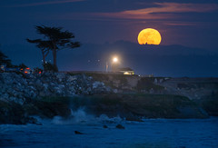 Full Moon Steamer Lane Lighthouse (Neil Simmons Photography) Tags: ocean california nightphotography trees red sea santacruz lighthouse drive sand lighthouses waves pacific telephoto lane bayarea cypress steamerlane westcliff santacruzphotographer santacruzphotography neilsimmonsphotography