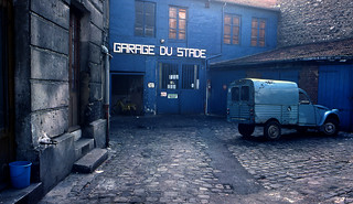 Garage bleu