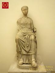 ESTATUA DE UNA MUSA (LEG IX HISPANA) Tags: escultura estatua busto roma palazzo palacio altemps museo griego griega romana roman museum national nazionale romano musa diosa fortuna demeter cibeles