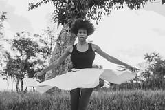 Entre Ruas :: Dauana Parente (Cleyton Telles) Tags: entreruas dana pretoebranco projetoentreruas arte arteurbana contemporneo dancaafro afro negra mulher africa movimento dancer flickraward female