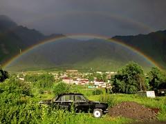 IMG_8599 (JoStof) Tags: mountains car georgia rainbow geo kazbegi georgi stepantsminda mzchetamtianeti