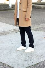 4-cream-coat-buttons-pants-basic-sneakers-combination (www.shoutouttoyou.com) Tags: blue winter white inspiration black look smart gold michael sweater outfit long pants buttons coat watch cream smith tommy sneakers clean originals stan jeans simplicity trousers kicks adidas plain basic combination layered kors
