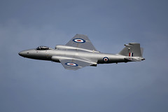 Canberra at Abingdon 2014 (youngjonathan74) Tags: english electric airshow canberra midair bomber abingdon raf squadron pr9
