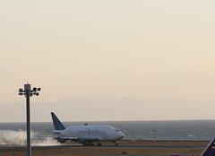 CD7W8209 (T Kato) Tags: japan fujifilm boeing aichi 747 lifter b747 tokoname centrair lcf chubuinternationalairport xt1 dreamlifter xf1855mmf284
