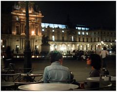 Diamonds in her hair (Everita) Tags: street people paris night louvre nikond50