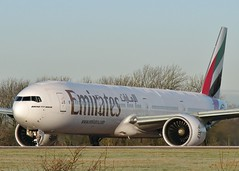 A6-ECY (AnDrEwMHoLdEn) Tags: manchester airport emirates 777 manchesterairport egcc 05l