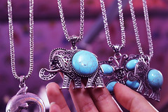 Blue Necklace Elephant (jacinto.guerra) Tags: blue elephant necklace accessories biju bluestone