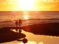 z L'Estany de Calafell (6) (calafellvalo) Tags: bridge sunset sea espaa atardecer mar calafell catalonia estanque puestadesol soir puesta ocaso pente tarragona nit vespre crepsculo peneds calafellvalo esyany calafellenfocaestanymillenariplayabeachseamarcalafellvaloocasosunset