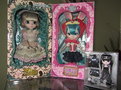 Box Moment (arielbessa) Tags: pink alice lol pullip hatsune miku