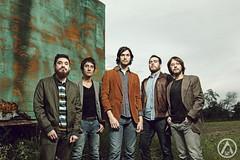 Sundara (Alanrmz) Tags: friends music color grass canon rockstar outdoor retrato band rockband monterrey lenon 70d
