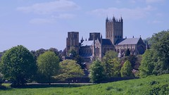 Wells Cathedral May 2016 (Doyleecart Photography) Tags: blue trees summer green history church sunshine may wellscathedral standrew bishopspalace greatoutdoors canon5dmkiii doyleecart
