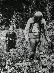 U.S. Air Force Lieutenant is held captive by a young North Vietnamese girl soldier (1967) [1483  2000] #HistoryPorn #history #retro http://ift.tt/25Zzuv9 (Histolines) Tags: history girl by soldier us is 2000 vietnamese force air north young retro 1967 timeline held captive lieutenant  vinatage 1483 historyporn histolines httpifttt25zzuv9