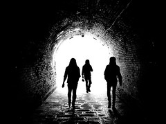 tre allegri ragazzi coreani (Franco Boetto) Tags: street light people urban bw white black photography tube streetphotography tunnel persone fujifilm bianco nero lightroom monocrome streetshoot x100t treallegriragazzicoreani