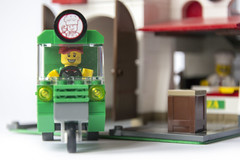Pizza Delivery Man (Roloff) Tags: city lego pizza modular pizzeria piaggio minifigure moc series11 deliveryvan myowncreation 32x16 pizzadeliveryman collectableminifigure 7100711