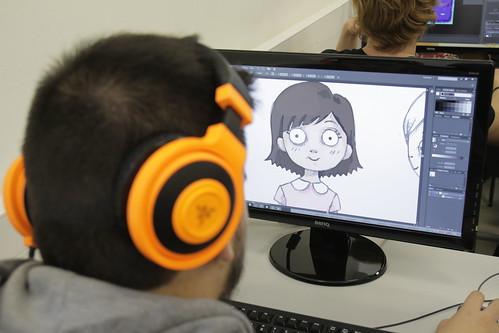 Alumne creant personatge