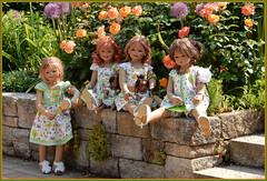 Habt eine schöne Sommerzeit ... (Kindergartenkinder) Tags: dolls himstedt annette ilce6000 sony essen park gruga kindergartenkinder blumenbeet pflanze blume garten tivi annemoni sanrike leleti milina