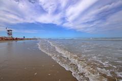 ONDE (GRAZIE PER LA VISITA) Tags: sea sky costa beach clouds nikon nuvole mare cielo acqua spiaggia litorale bagnasciuga sigma1020 nikond90