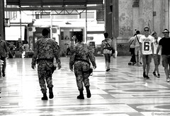 SameTime (magverrier) Tags: blackandwhite bw nikon gallery noir noiretblanc military galeria nb napoli naples galleriaumberto nikond40 nikond40x galleriaumbertonapoli