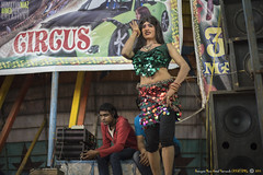 getting patrons into Maut ka Kuan, Mahim Fair, Bandargaah, Mumbai, Maharashtra, India (Humayunn Niaz Ahmed Peerzaada) Tags: street saint zeiss 50mm f14 sony streetphotography carl ahmed manualfocus ze highiso planar niaz carlzeiss dargah sufisaint revered carlzeiss50mm tcarl peerzaada 50mmcarl f14carl makhdoomalimahimi sonya7s carlzeiss50mmf14zeplanartmanualfocuslens nightvisuals sufisaintmakhdoomalimahimi zeisssonysony alphamahimmumbaimaharashtraindiahumayunn peerzaadahumayunn